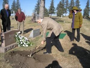 Edith Bohan's grave Nancy snoveling